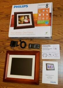 "Phillips Home Essentials Digital PhotoFrame 8"" LCD Panel Mahogany Wood Frame"