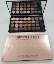 Makeup Revolution Eyeshadow Palette In impeccabile 32 sfumature NUDO & SIGILLATO naturale