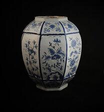 Faïence de Delft Vase Pot à pharmacie Camaïeu bleu Décor floral 18éme