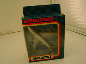 1987 MATCHBOX SKY-BUSTERS SB-10 BOEING 747 LUFTHANSA NEW IN BOX