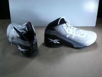 Reebok Deep Range II Basketball Shoes men's Size 11.5