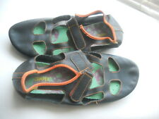 Camper Spain ~ Art to Wear ~ Black/Orange Cutout Right Ballet Flats ~ 38