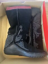 Puma Monsoon Black Red Embroidered Leather Rubber Sole Pull On Boots 8.5 Womens
