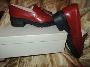 Clarks narrative  ladies footwear size 8,5 dark red