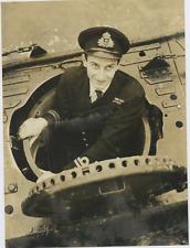 Lieutenant Commander H.T. Verry  Vintage silver print Tirage argentique  15x