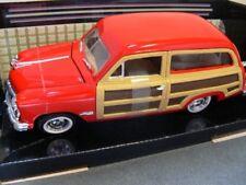 1/24 Motor Max Ford Woody Wagon 1949 rot 73260