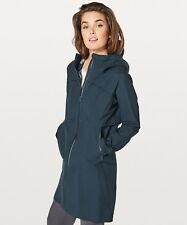 Lululemon Cloud Crush Waterproof Jacket Size US12 UK16