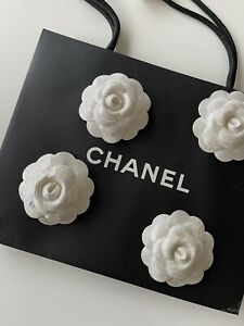 Chanel Kamelie Camelia Brosche Limited Edition 2020 Weihnachten Glitter NEU