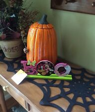 """DISNEY MINNIE MOUSE GOOD WITCH """"BOO""""  SIGN HALLOWEEN WOODEN GREETER NEW"""