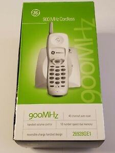 GE 900 MHz Cordless Phone Model 26928GE1 White 40 Channel Auto Scan Dial Handset