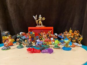 Skylanders Bundle of 26 Figures and Traps. Great Condition