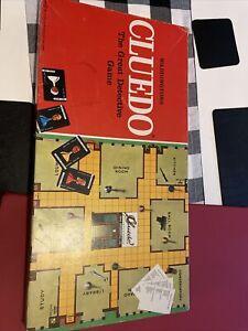 Waddingtons 1975 Vintage Cluedo Board Game. Poor Condition.