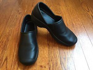 Keen Womens PTC Slip On II 1006987 Comfort Work Shoes Size 9.5 Black Clogs