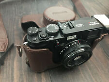 Fujifilm x100s Digital Camera Comme neuf with case and battery charger