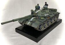 Escala 1/35th T-62 Tanque. construido y listo para la exhibición. Pintado.
