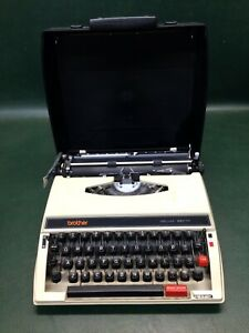 Vintage Brother Deluxe 660TR Typewriter Portable Made in Japan