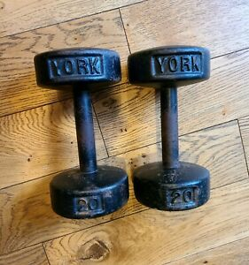 YORK 20 Pound Dumbbells. 20 Lb each Weight - 40 Lb Total. Set of 2