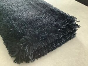 Black Throw blanket Immaculate Condition Fleece On Reverse Side