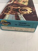 Vintage Athearn #5017 HO Scale SFRD 36065 40' Box Car Kit Assembled in Box