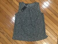 NWT Jones New York Sleeveless BLACK Polka Dot Blouse Top Pleated Neck  Sz L New