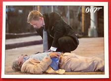 JAMES BOND - Quantum of Solace - Card #054 - Mathis Dies In Bond's Arms