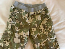 Ll Bean Girl's pants cargo camouflage Flowers Adjustable leg, pockets Age 12