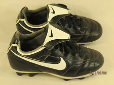 Nike Black & White Soccer Cleats Youth Boys Kids Size 10.5 Y US EUR 27.5 EUC