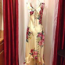 BETSEY JOHNSON Beautiful floral dress NWOT Sz XSmall