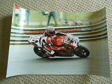 Carl Fogarty Ducati main signé 24x16 photo massive très rare.
