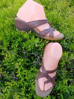 Merrell Alyssum Earth Brown Leather Wedge Thong Sandals Women's Shoes Size 7