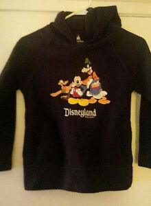 Disneyland Resort Women's Pullover Hoodie Size Medium Disney Parks Mickey Donald