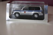 TOYOTA LAND CRUISER POLICE MOSCOU 2006 ПОЛИЦИЯ 1/43 SPARK A003 russe.