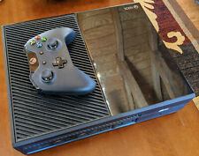Microsoft Xbox One console with Kinect: near-mint, very little use