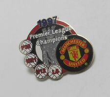 Manchester United Premiership Clubs Football Badges & Pins