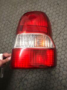 (1879) Mazda Demio  Rückleuchte rechts + Lampenträger Heckleuchte