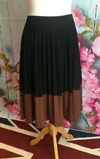 Laura Ashley Ladies Pleated Skirt Size 18
