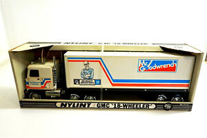 "Nylint MR GOODWRENCH No 911-Z GMC 18 Wheeler Vintage New Old Stock NOS 22"" long"