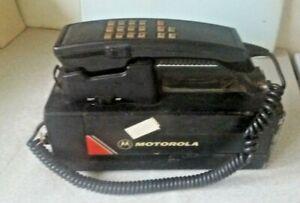 VINTAGE / RETRO EARLY MOTOROLA MODEL 81551A -PORTABLE BRICK PHONE