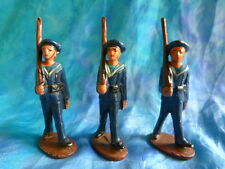 QUIRALU. Lot 4 de3 figurines de marins au défilé en aluminium - ref Q50