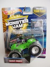 "MONSTER JAM "" GRAVE DIGGER TEAM FLAG "" HOT WHEELS DIE CAST TRUCK CAR"