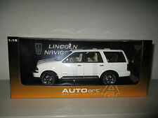 LINCOLN NAVIGATOR SCALA 1:18 AUTOART OFF-ROAD DIVISION