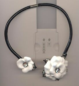 KENNETH LANE STUNNING BLACK ENAMEL WHITE FLOWER CLEAR FLOWER CHOKER