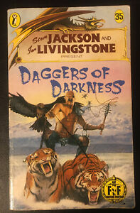 DAGGERS OF DARKNESS Fighting Fantasy #35 1988 Bronze Dragon Cover Number VG