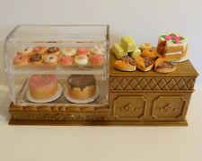 SYLVANIAN FAMILIES CALICO CRITTERS * FULLY LOADED CAKE DISPLAY STAND * NEW