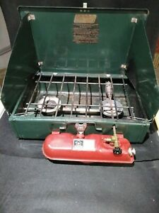 Coleman 425F 2 Burner Liquid gas Camp Stove Early 80's Red Tank