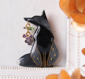 ''Fox finds Red grapes'' PIN BROOCH Gray Silver JPN Artist Animal Accessory
