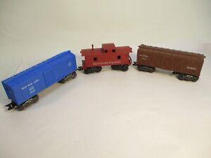 Marx Plastic Freight Car Group 1950's 3 pcs O Gauge X4498