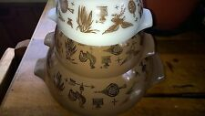 PYREX CINDERELLA NESTING MIXING BOWLS SET OF 3 Early American Brown WHITE gold