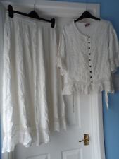 bnwt new Ladies stunning off white matching outfit skirt & blouse size 10/12