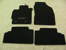 Matten-Set NEU! Toyota Auris schwarz 4x Teppich vorne und hinten Emblem grau